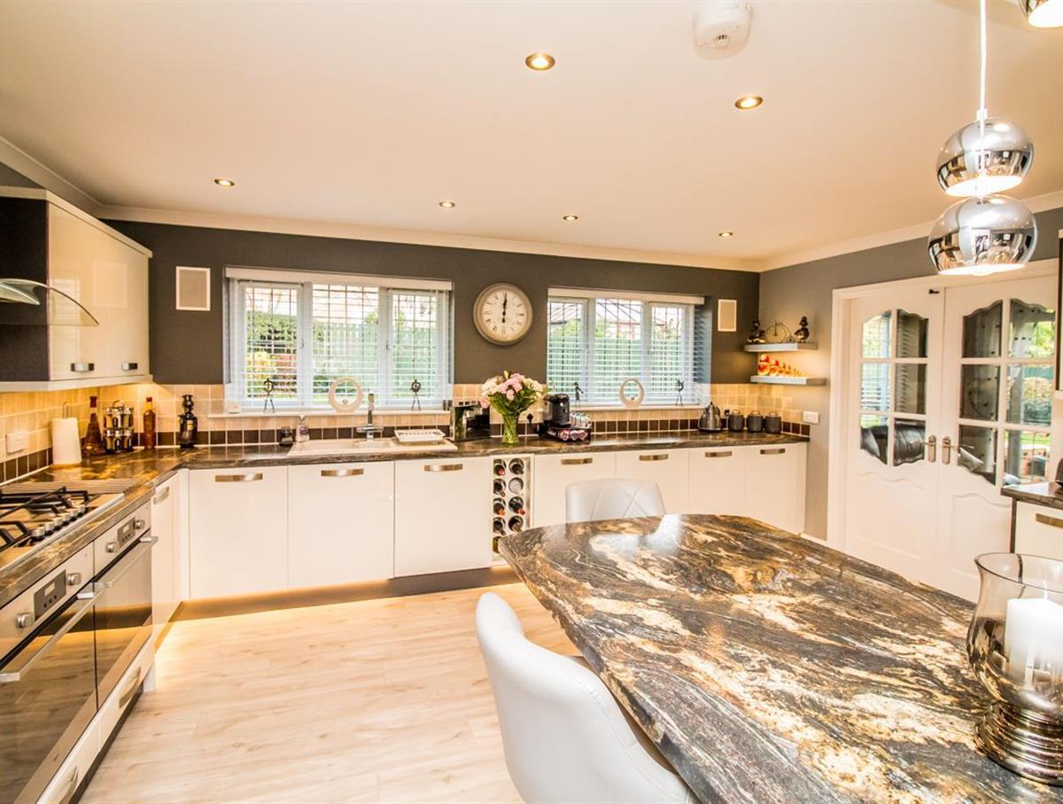 Kitchen Pic 5